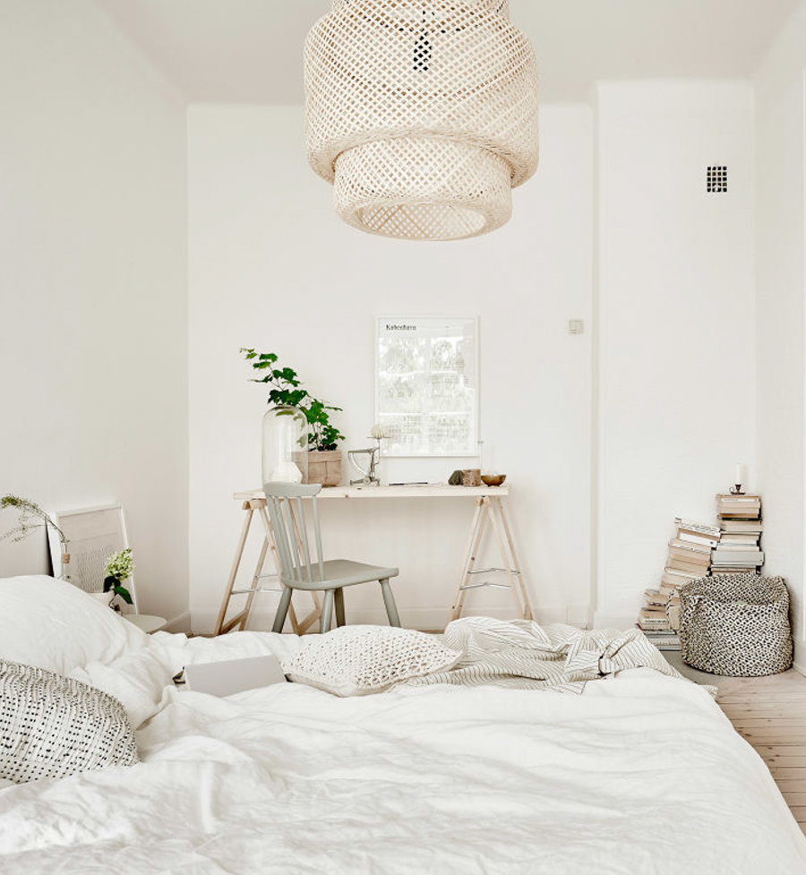White-wood-natural-hues.-Bedroom-styling