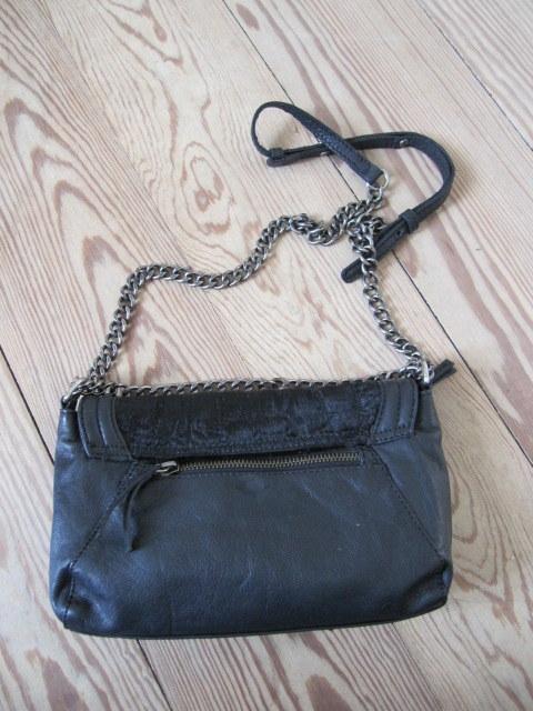 taske i