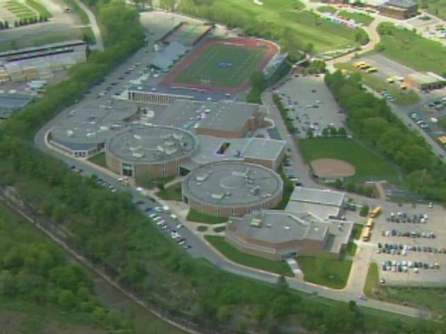 Chartiers-Valley-High-School-campus---23450703