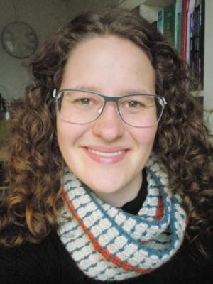 Mig med homemade tube-halstørklæde i Alpaca garn. Forår 2013.