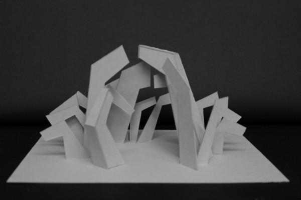 Min endelige model med et rum i midten og en åbning diagonalt, så lyset kan komme igennem.