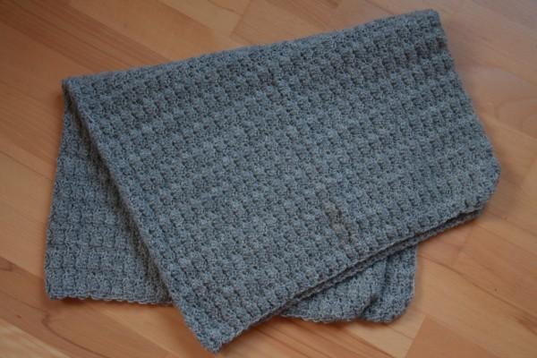 """Et styks færdigt tæppe. Okay, kanterne skal lige presses og """"gøres kantet"""" ..."""