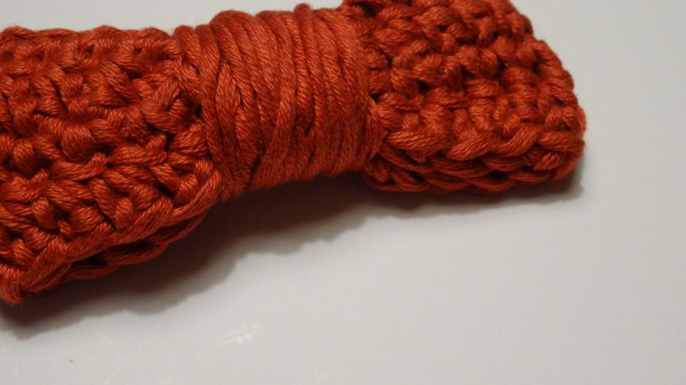 Man kan selvfølgelig og hækle en række fastmaske eller to og binde det om i stedet for at sno garn omkring sløjfen.