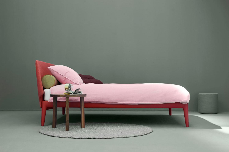 auping_essential_bed_coral_red_straks_in_jouw_slaapkamer