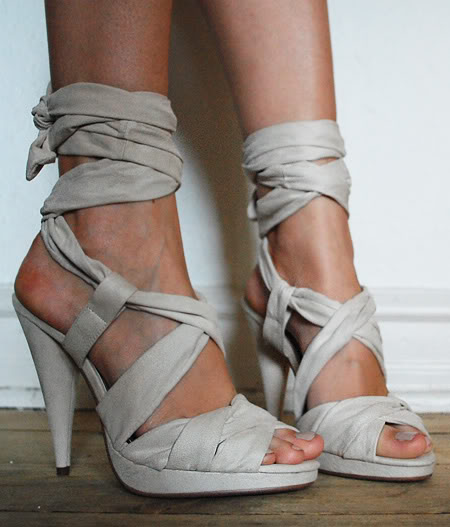 H&M Burberry-like heels