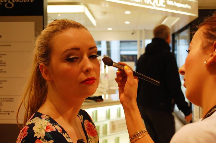 Mad Men makeup hos MAC