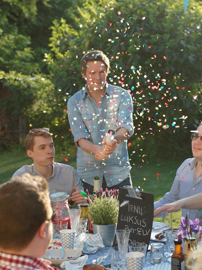 photo havefest-IKEA-konfetti-skyde-ror-sostrene-grene-missjeanett-sommerfest-studenterfest-inspiration-hyggelig_zpsi0gyvinz.jpg