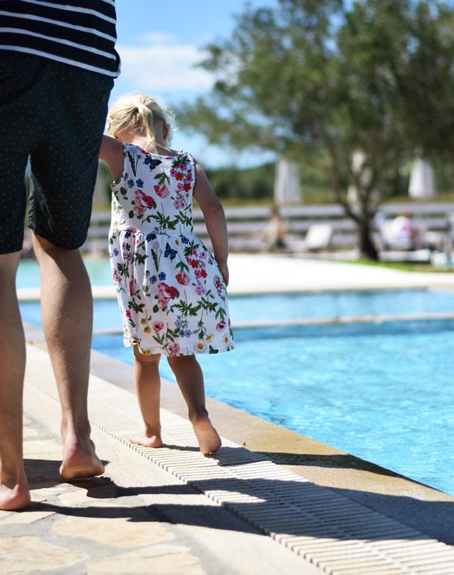 photo bella-kjole-hm-sommerkjole-missjeanett-sommerferie-ferie-outfits-korfu-rejser-til-apollorejser-hotel-likithos-village_zpsryxb4yyv.jpg