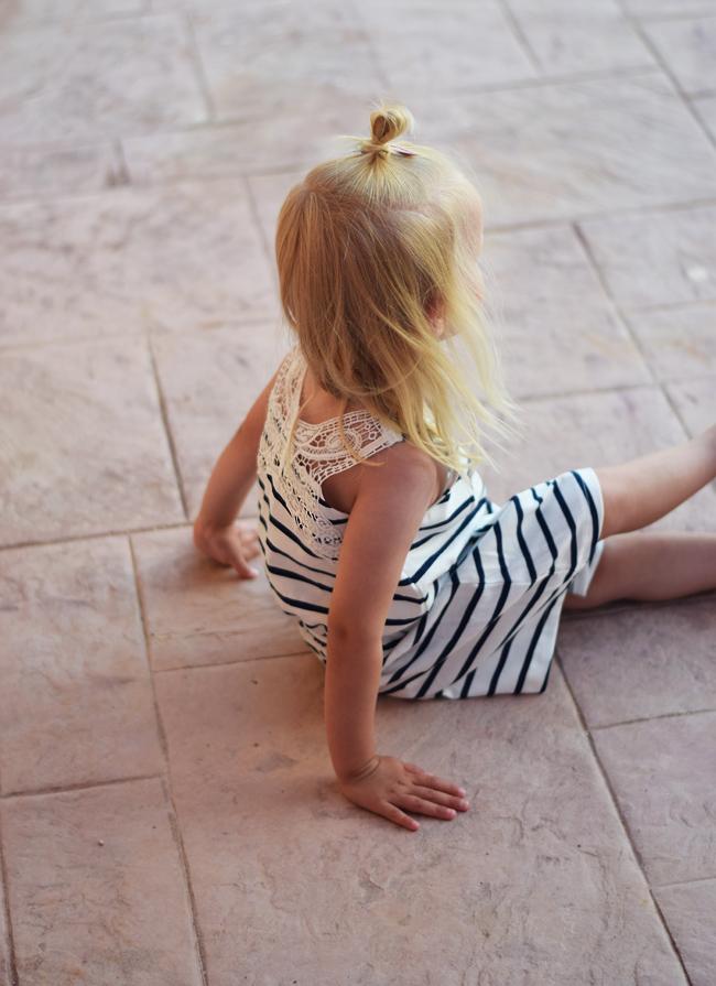 photo bella-hm-sommerfugl-ryggen-stribet-kjole-sommerkjole-korfu-missjeanett-morblogger_zpssoy3mntw.jpg