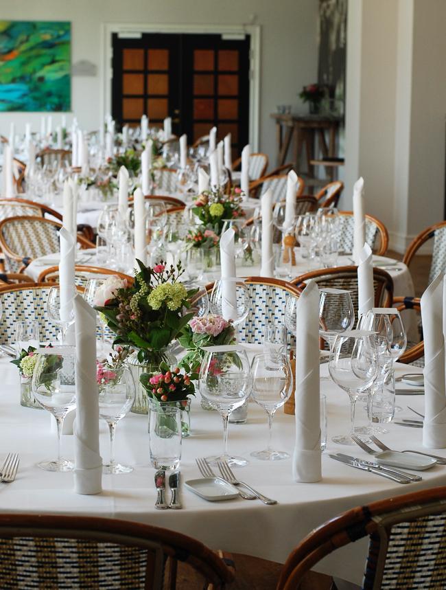 photo weekend-stella-maris-i-svendborg-bryllup-borddakning-bordpynt-missjeanett-fyn-2016-2017_zpszeiu7npu.jpg
