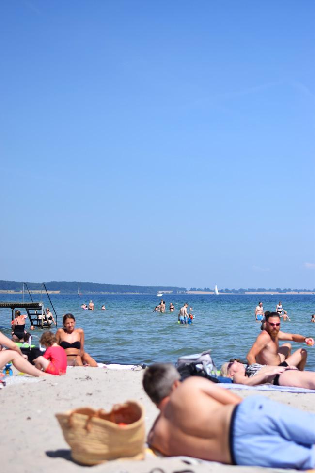photo weekend-kerteminde-strand-sydstranden-sommer-i-dk-missjeanett-blogger-strandtur-badevand_zpsqjwmjyec.jpg