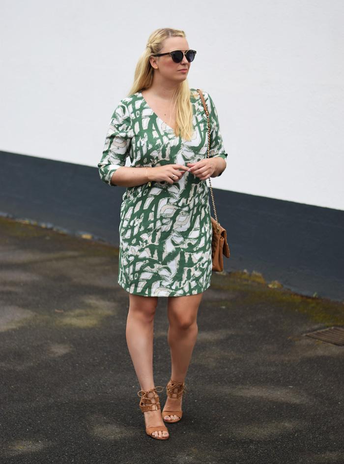 photo outfit-havnen-selected-femme-green-dress-call-it-spring-shoes-missjeanett-blogger-jeanett-drevsfeldt-fra-odense-sommer_zpskcptdxs4.jpg