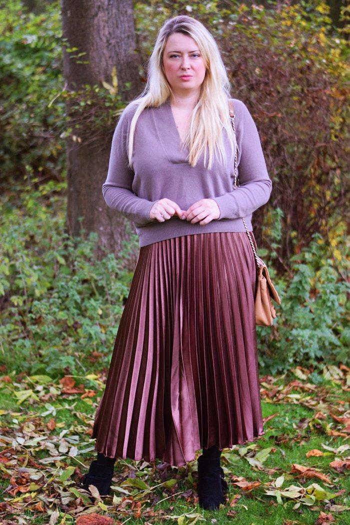outfit-autumn-in-denmark-cashmere-asos-knit-shirt-pleaded-skirt-nederdel-plisseret-missjeanett-blogger-odensebloggers