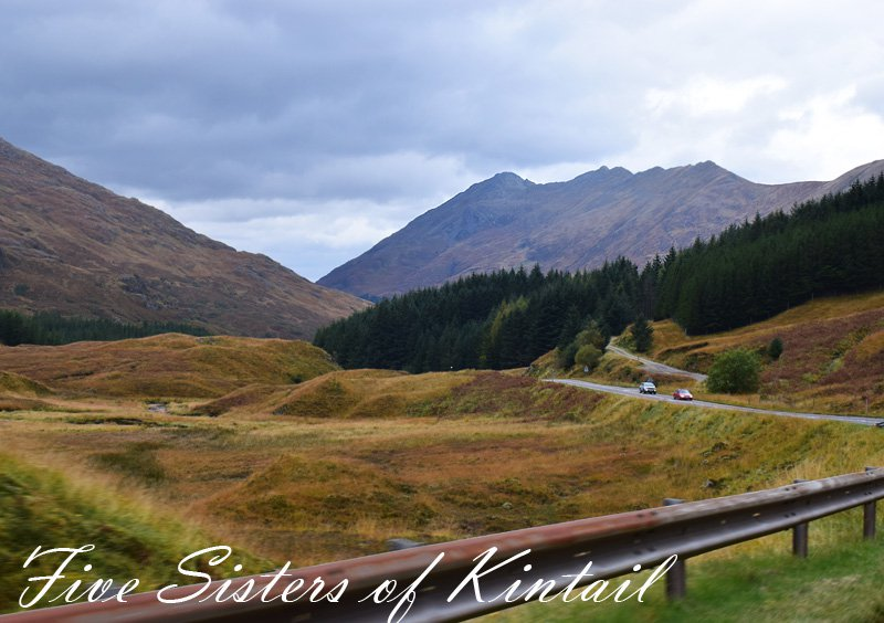 five-sisters-of-kintail-missjeanett-road-trip-i-skotland-view-the-highlands
