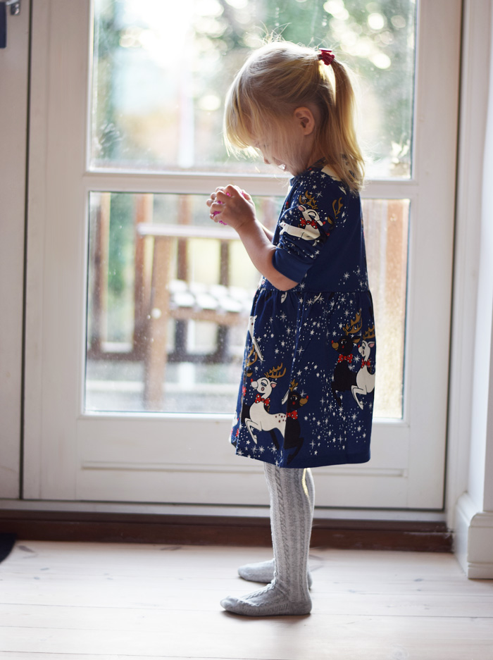 mini-rodini-christmas-collection-dress-rain-dear-blue-holiday-missjeanett-blogger-julekjole