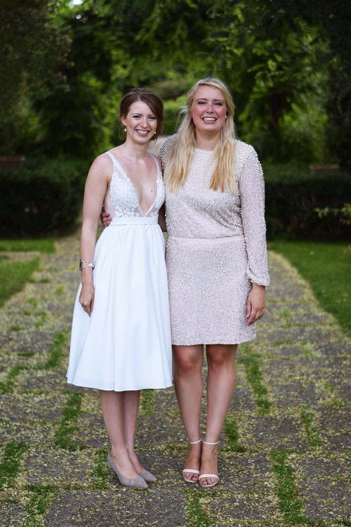 bina-og-nea-bryllup-missjeanett-soster-karim-design-kjole-fra-paradehuset-kobenhavn-frederiksberg-2016-2017
