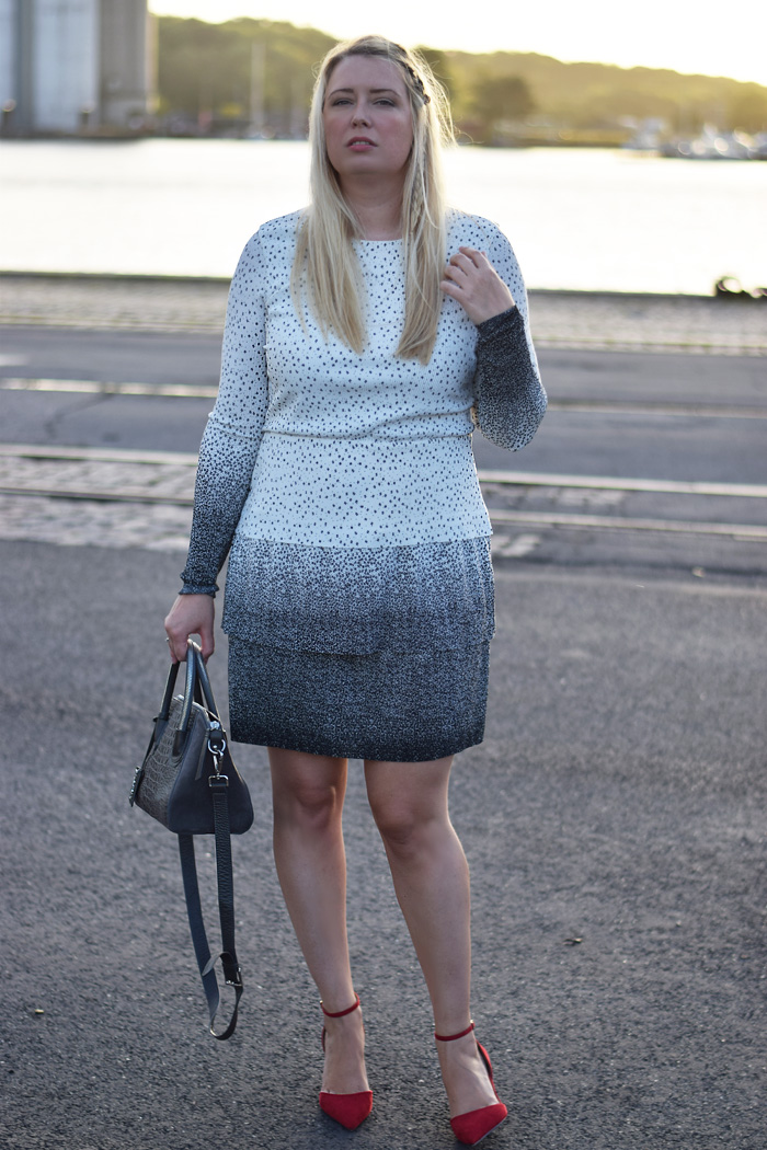 outfit-asos-prikket-kjole-tall-missjeanett-blogger-fra-odense-blogs-havn-leowulff-taske-stiletter-biografklub