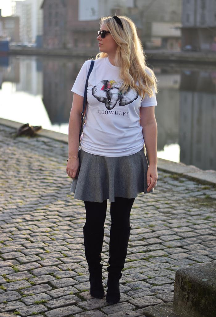 outfit-leowulff-charity-t-shirt-elephant-elefant-print-missjeanett-blogger-asos-white-wool-skirt-gestuz-boots