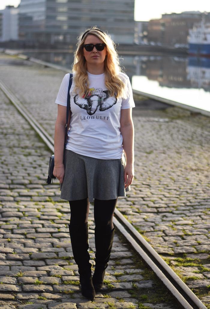 outfit-leowulff-charity-t-shirt-elephant-elefant-print-asos-white-wool-skirt-blogger-fra-odense-odensebloggers-odense-havn-nyodense