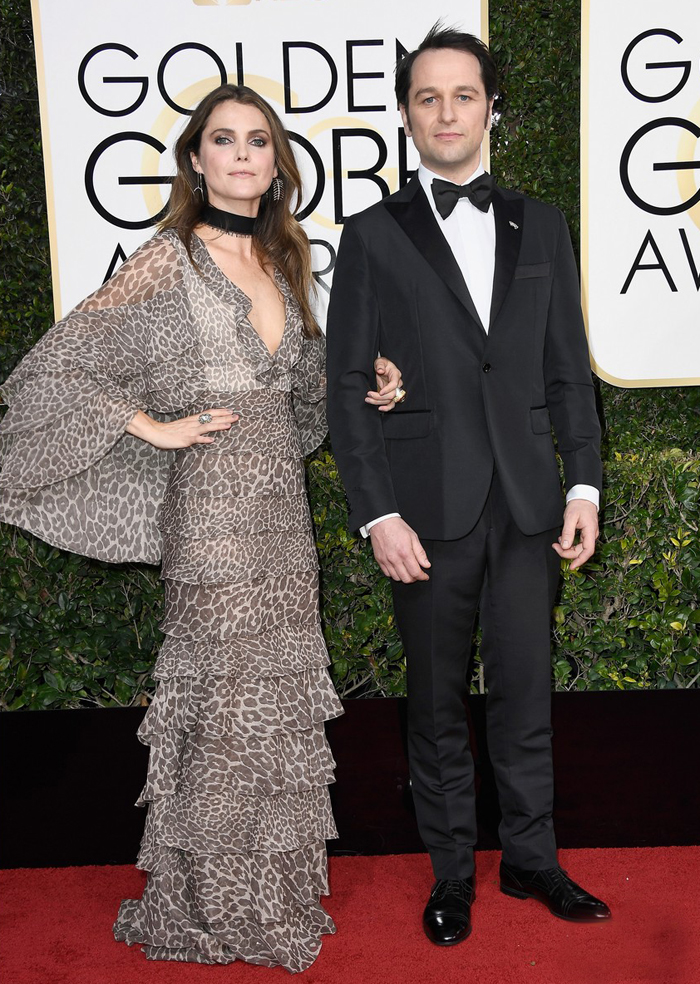 keri-russell-matthew-rhys-2017-golden-globes-worst-dressed-j-mendel-dress-boho