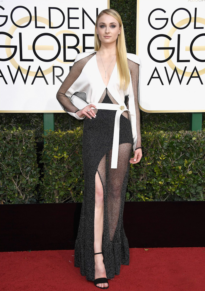sophie-turner-golden-globes-2017-worst-dressed-louis-vuitton