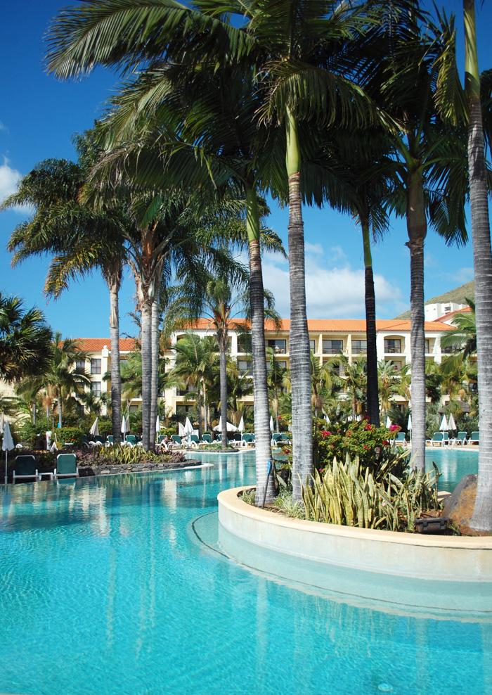 porto-mare-hotel-madeira-visit-madeira-portugal-vinterferie-opvarmet-pool-palmer-frodig-blogger-spies-charter-ferie
