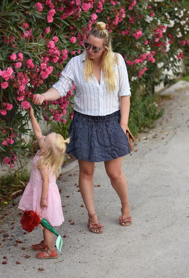 korfu-postkort-fra-missjeanett-rails-shirt-skjorte-wheat-pink-kjole-ganni-nederdel-skirt-blogger-asos-suede-sandals-blomster
