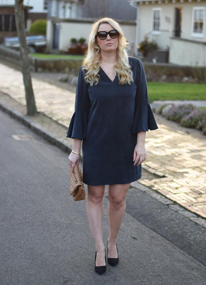 outfit-selected-femme-kjole-med-armer-dress-with-big-sleeves-missjeanett-jeanette-blogger-fra-odense-jeanett-drevsfeldt