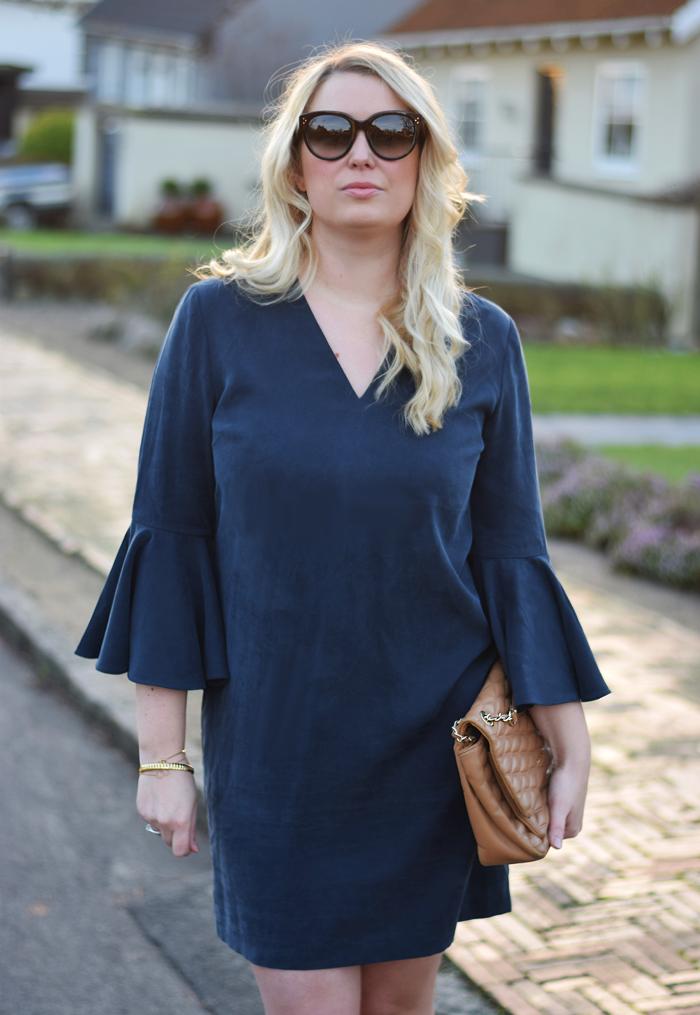 outfit-selected-femme-kjole-med-store-armer-dress-with-big-sleeves-missjeanett-jeanett-jeanette-blogger-fra-odense-odensebloggers-celine-solbriller-sunglasses