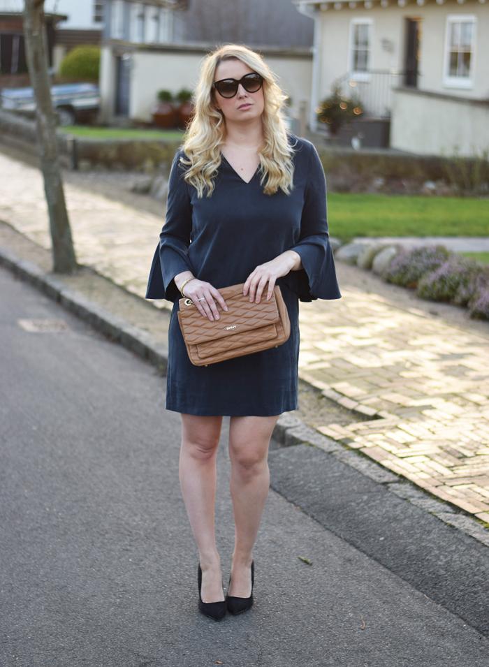outfit-selected-femme-dress-with-big-sleeves-kjole-med-store-armer-missjeanett-jeanett-jeanette-blogger-fra-odense-odenseblogger-dresvfeldt-celine-solbriller