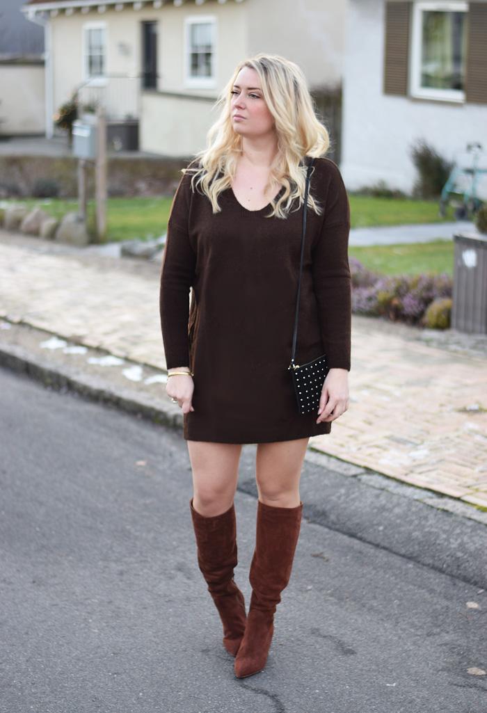 outfit-brune-stovler-ruskind-missjeanett-strikkjole-fra-asos-blogger-fra-odense