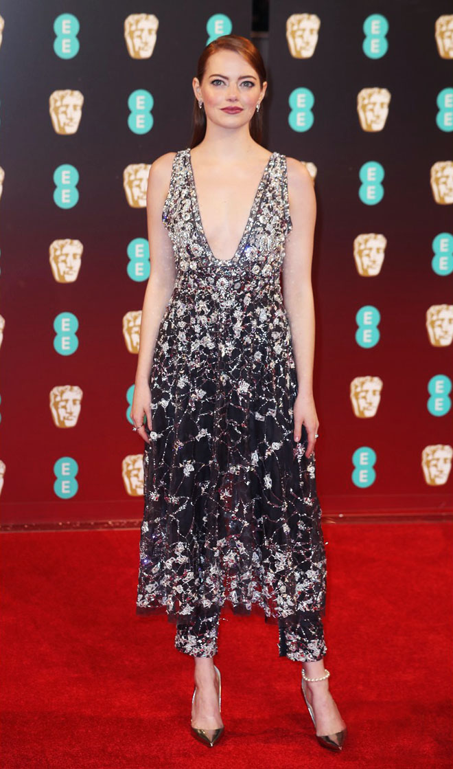 emma-stone-baftas-2017-in-chanel-best-dressed-won-best-actress-for-la-la-land