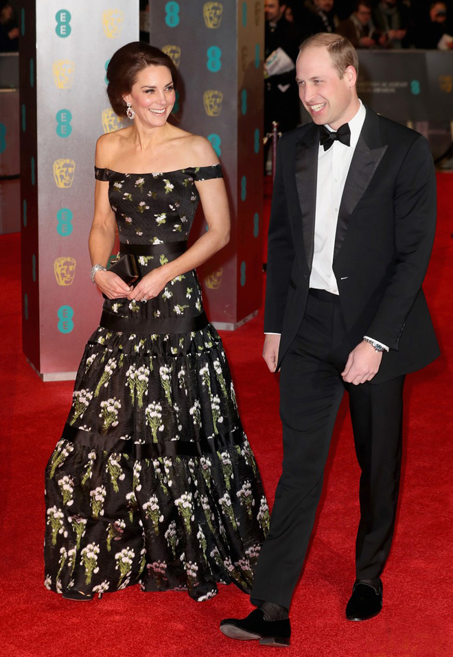 kate-middleton-prince-william-at-baftas-2017-worst-dressed-in-alexander-mcqueen