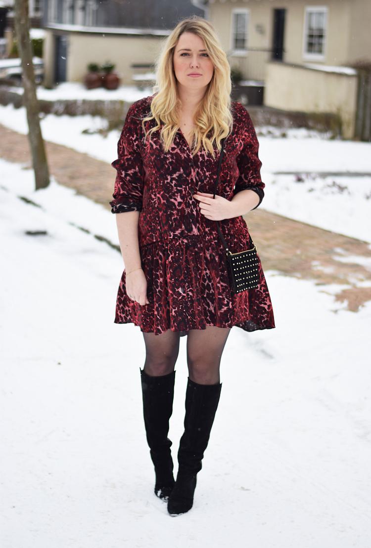 outfit-i-snevejr-februar-2017-missjeanett-reclaimed-vintage-dress-red-leopard-blogger-morblogger-gestuz-asos-suede-bag-fra-odense-odensebloggers