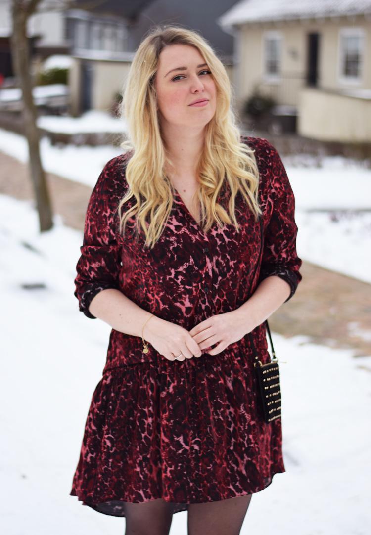 outfit-i-snevejr-odense-sne-februar-2017-missjeanett-blogger-fra-reclaimed-vintage-dress-kjole-gestuz-stovler