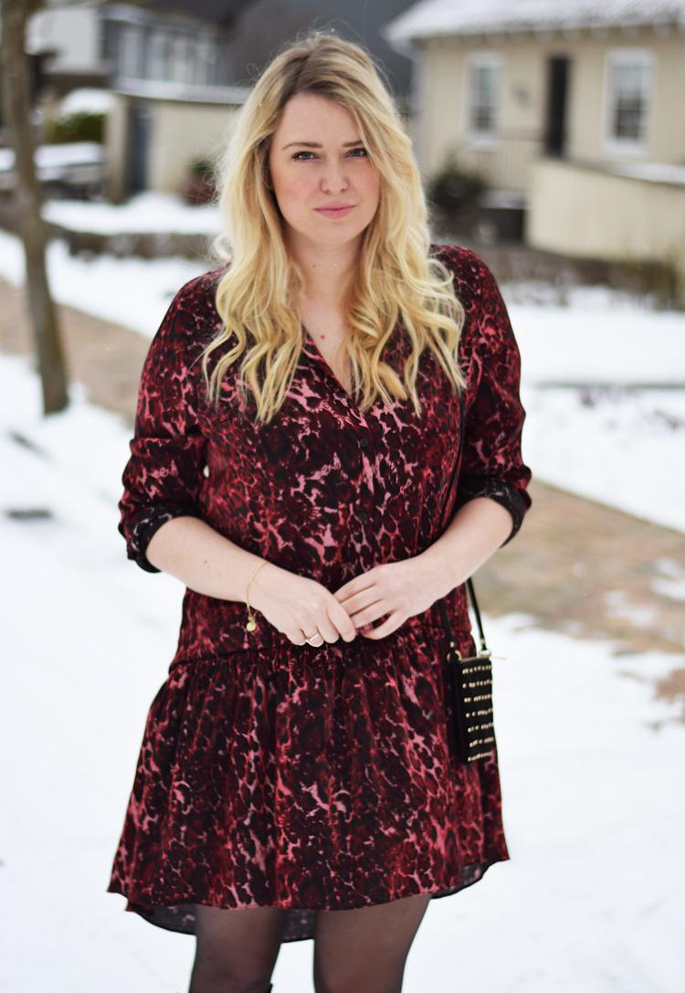 outfit-i-snevejr-reclaimed-vintage-dress-red-leopard-print-missjeanett-blogger-fra-odense-odensebloggers-jeanett-drevsfeldt-balayage-asos-suede-bag