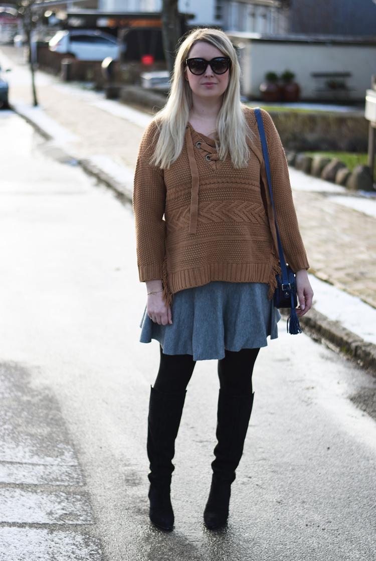 outfit-moon-river-missjeanett-jeanett-drevsfeldt-blogger-morblog-celine-solbriller-asos-wool-skirt-gestuz-boots