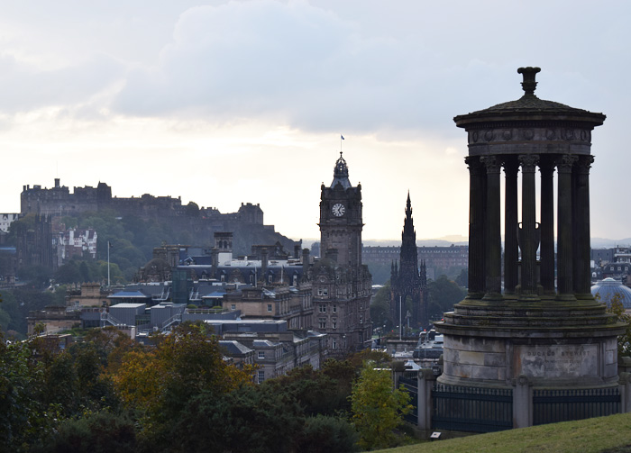 calton-hill-view-from-edinburgh-scotland-skotland-guide-tips-til-missjeanett-blogger