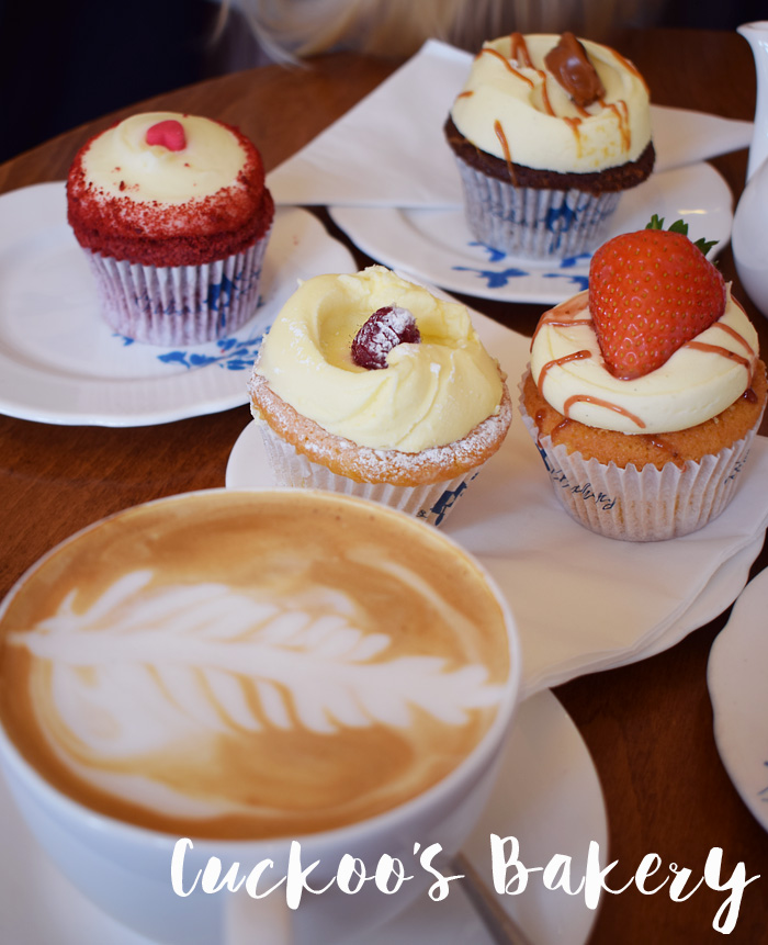 cuckoos-bakery-best-cupcakes-in-edinburgh-rashberry-with-white-chocolate-blogger-missjeanett-guide-tips-scotland-skotland
