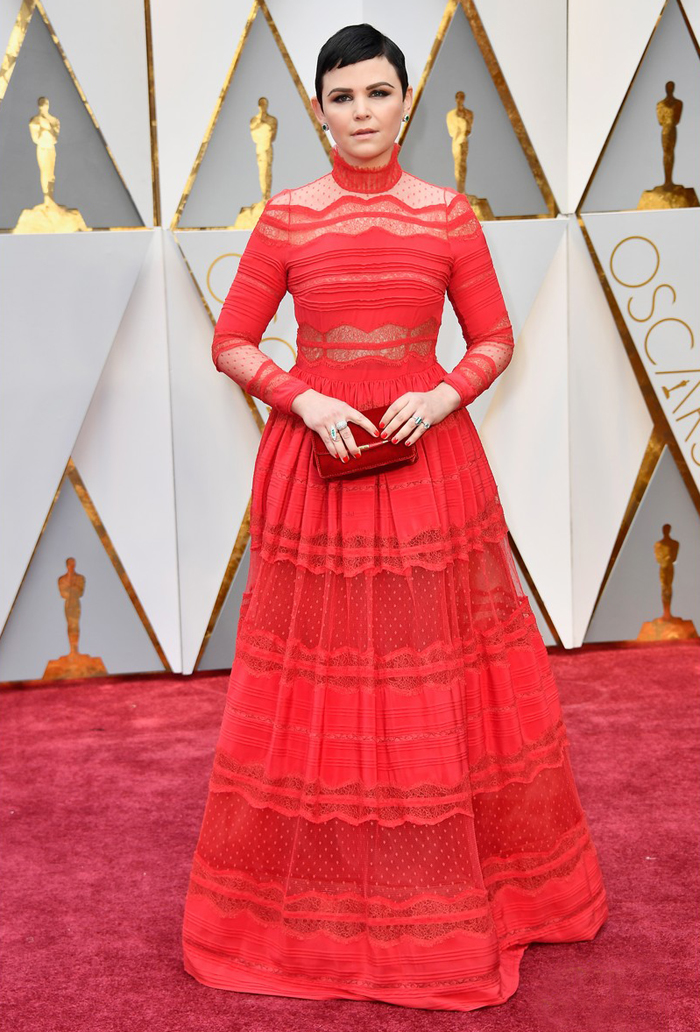 jennifer-goodwin-oscars-2017-red-carpet-worst-dressed