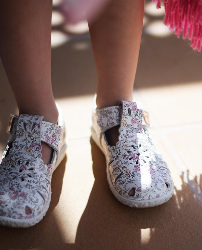kavat-sandaler-til-smalle-fodder-fuerteventura-om-vinteren-kobe-missjeanett-eco-leather