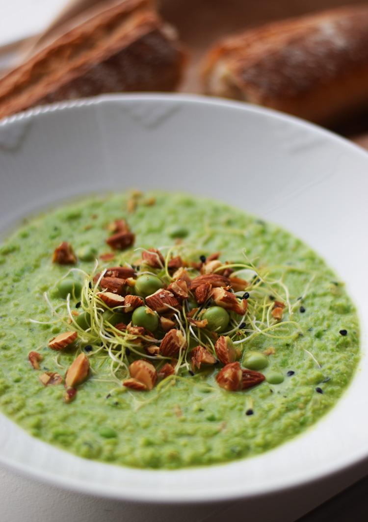 aertesuppe-opskrift-missjeanett-sund-nem-billig-pea-soup-reciepe-blogger-med-salte-mandler