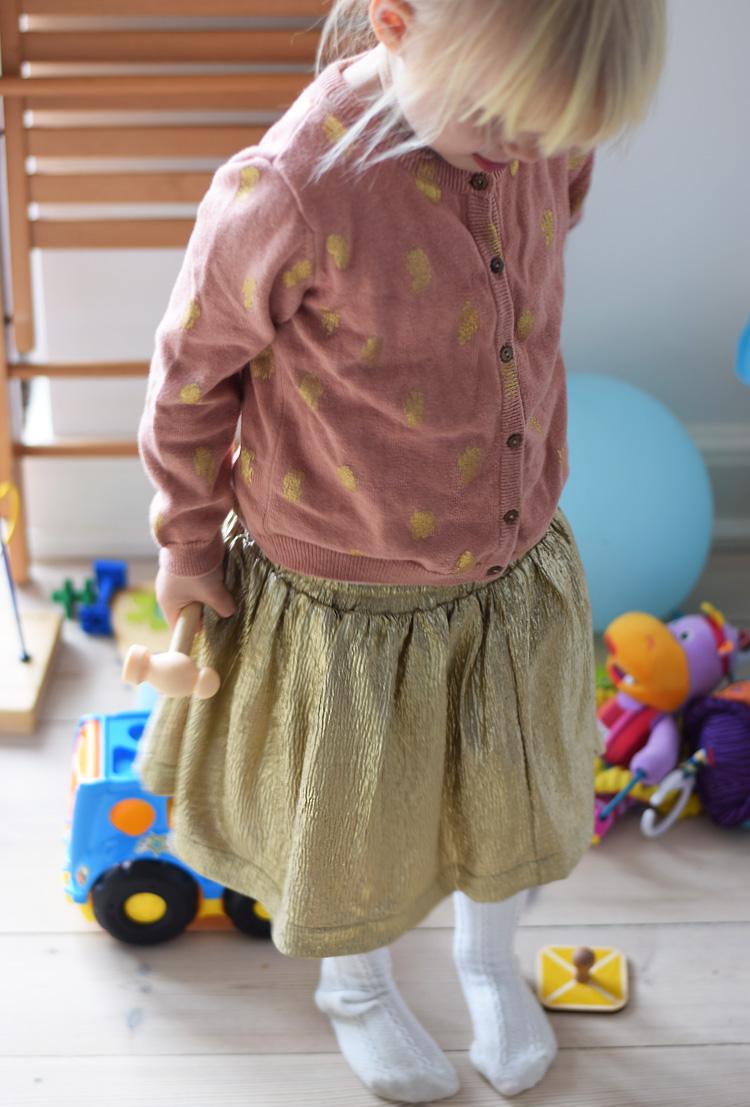 esprit-nederdel-guld-gold-skirt-missjeanett-paaske-soft-gallery-cardigan