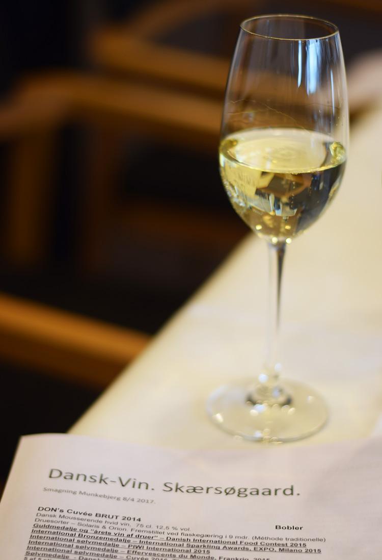munkebjerg-hotel-i-vejle-dansk-vin-skaersoegaard-vinsmagning-cuvee-brut-2014-missjeanett-blogger-min-weekend