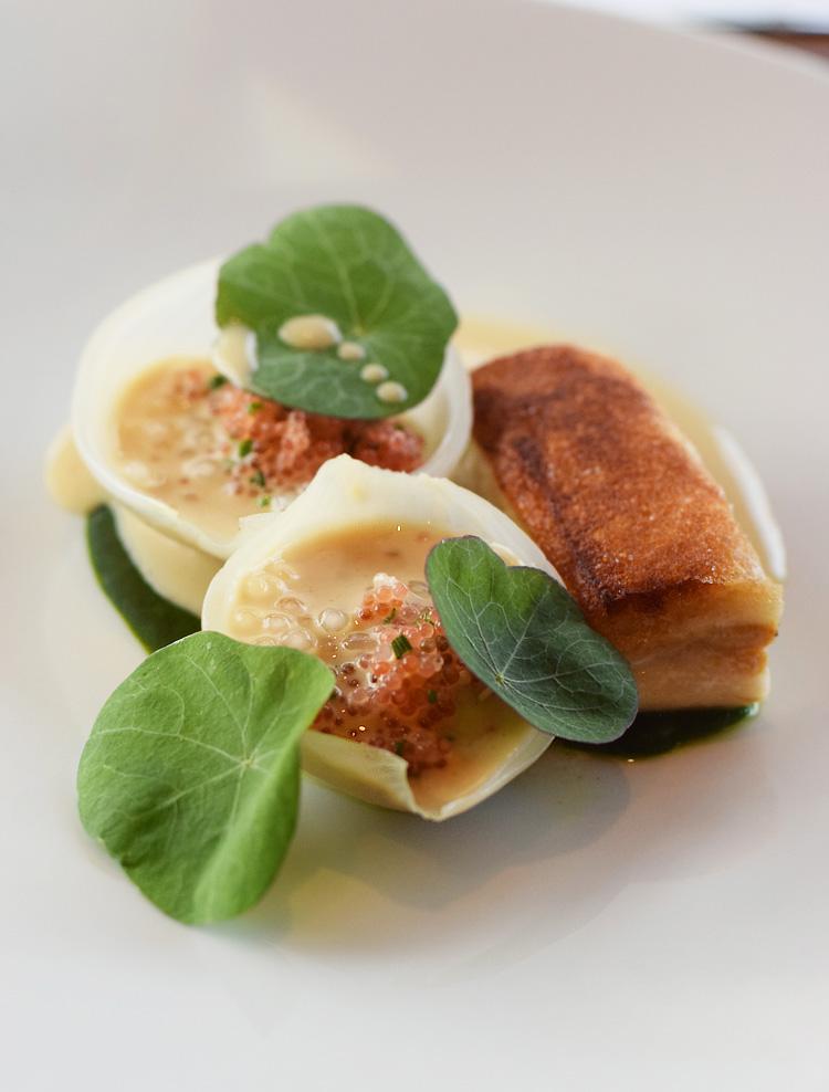 munkebjerg-hotel-i-vejle-tree-top-restaurant-forret-musling-fisk-stenbidderrogn-missjeanett-blogger-ophold-vinsmagning
