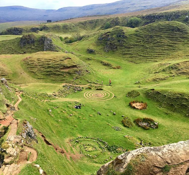 fairy-glen-skotland-isle-of-skye-scotland-missjeanett-blogger-spring-may-maj-2017-jeanett-drevsfeldt