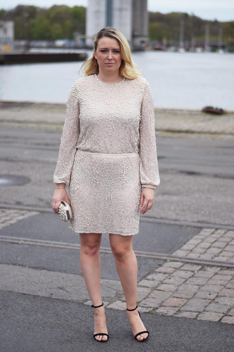 outfit-odeon-gallashow-missjeanett-odensebloggers-aldo-clutch-asos-perlekjole-pearl-dress