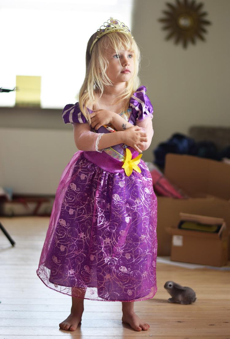 rapunzel-klaed-ud-kjole-missjeanett-min-weekend