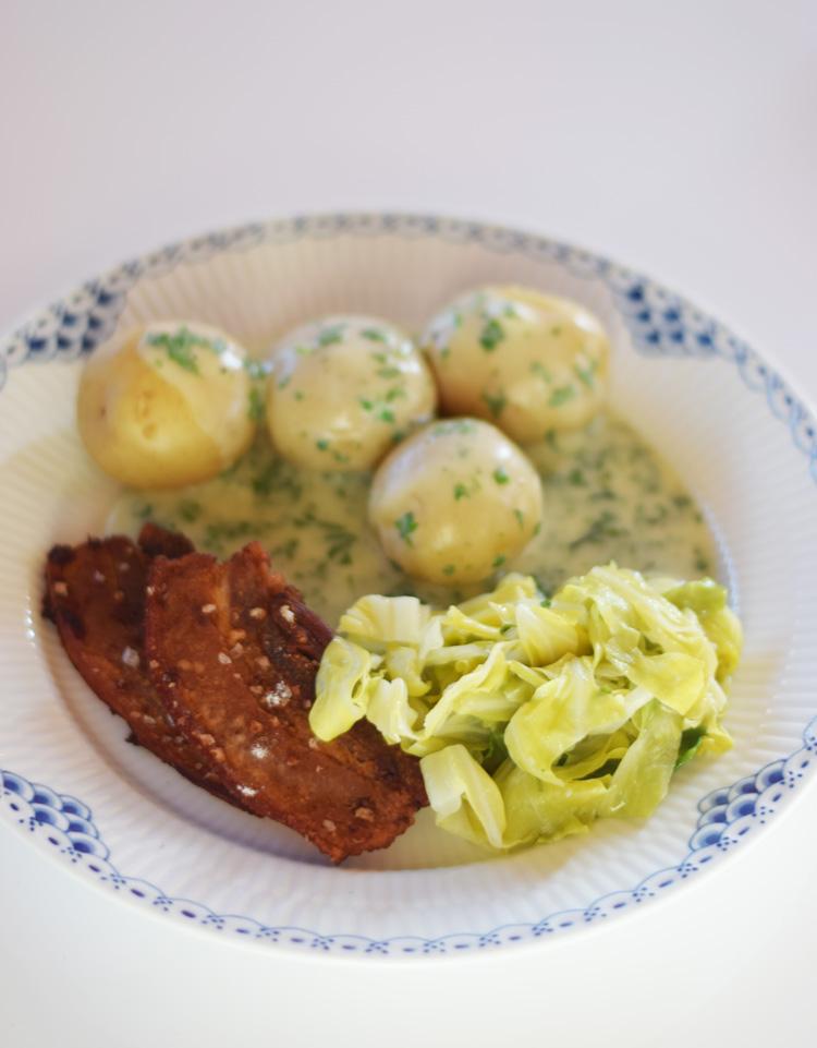 stegt-flaesk-med-persillesovs-og-kaal-missjeanett-min-weekend-opskrift