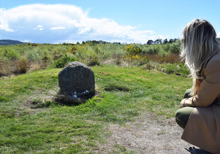 cullodon-moor-battlefield-of-clan-fraser-jamie-outlander-location-locations-steder-i-skotland-scotland-missjeanett-blogger-trenchcoat